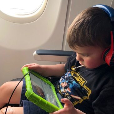 The Secret to Successful Travel With Kids on Airplanes